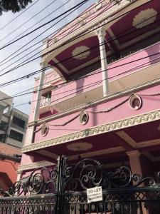 Gallery Cover Image of 6000 Sq.ft 10 BHK Independent House for rent in West Marredpally for 150000