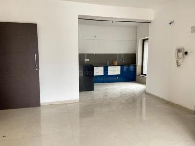 Gallery Cover Image of 1050 Sq.ft 2 BHK Apartment for rent in Nyati Elysia III, Kharadi for 19000