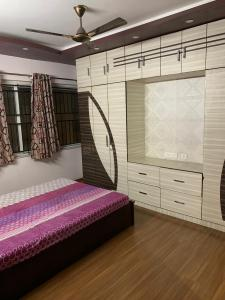 Gallery Cover Image of 1660 Sq.ft 3 BHK Apartment for rent in Rajarhat for 40000
