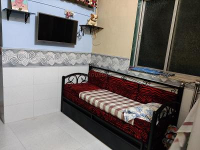 Gallery Cover Image of 200 Sq.ft 1 RK Apartment for rent in Khar West for 12000