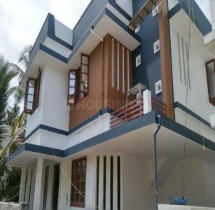 Gallery Cover Image of 1350 Sq.ft 3 BHK Independent House for buy in Thrippunithura for 5500000