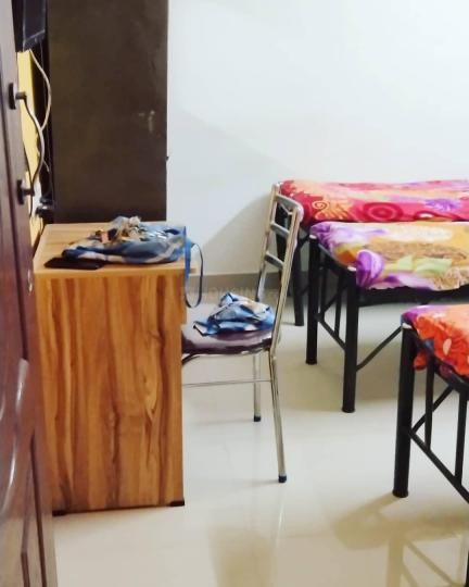 बीटीएम लेआउट में गलेरिया लक्ज़री पीजी फॉर लेडिज के हॉल की तस्वीर