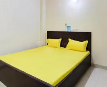 ज़ोलो स्टे इन सेक्टर 66 के बेडरूम की तस्वीर