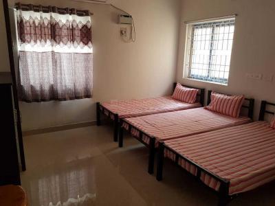 पेरुमबक्कम में श्रीराम जैंट्स पीजी के बेडरूम की तस्वीर