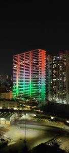 Gallery Cover Image of 5000 Sq.ft 4 BHK Apartment for buy in Raiaskaran Parthenon, Andheri West for 160000000