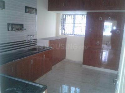 Gallery Cover Image of 1200 Sq.ft 2 BHK Independent House for rent in Choolaimedu for 22000