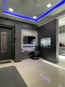 Gallery Cover Image of 1161 Sq.ft 2 BHK Apartment for buy in Pashan for 6450000