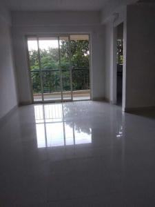Gallery Cover Image of 1350 Sq.ft 3 BHK Apartment for buy in Silver Glory, Lake Town for 6500000
