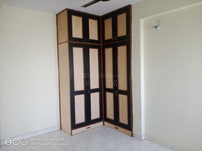 Gallery Cover Image of 1300 Sq.ft 3 BHK Apartment for rent in Velachery for 24000