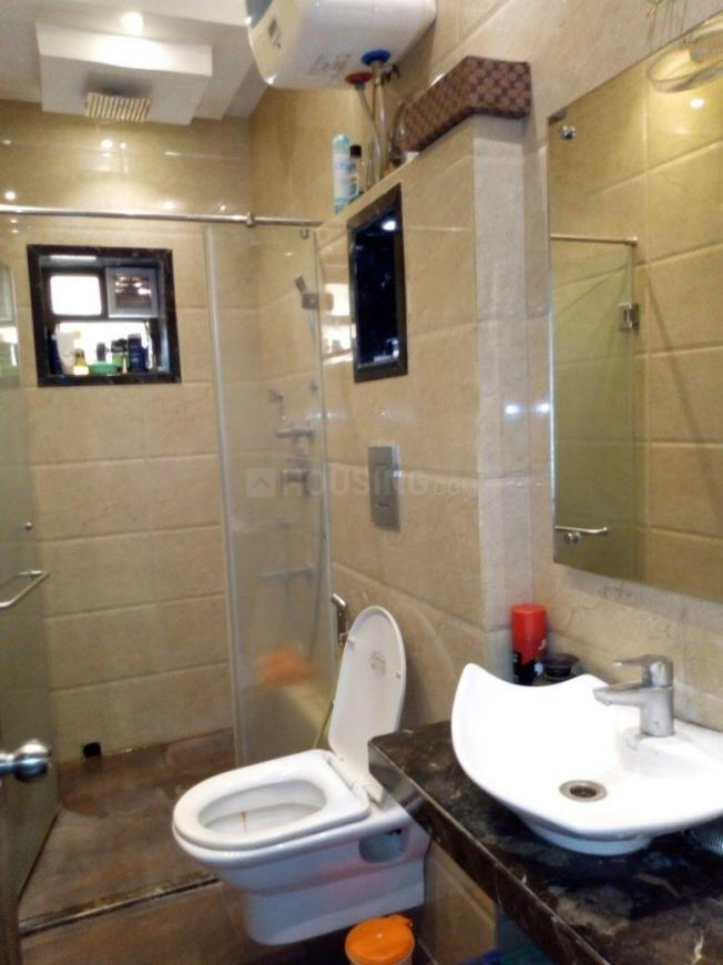 Bathroom Image of 450 Sq.ft 1 RK Apartment for rent in Keshtopur for 4000