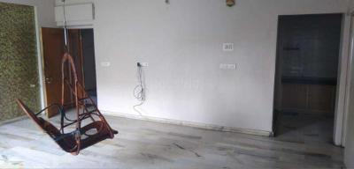 Gallery Cover Image of 1500 Sq.ft 2 BHK Apartment for rent in Bodakdev for 18000