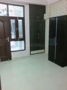 Gallery Cover Image of 900 Sq.ft 3 BHK Apartment for buy in Ashok Vihar Phase II for 4600000