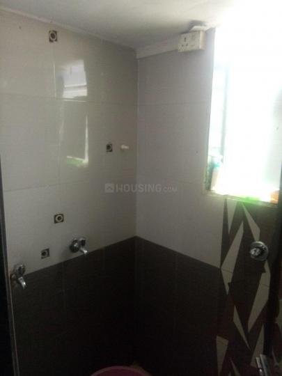 Bathroom Image of 650 Sq.ft 1 BHK Apartment for rent in Airoli for 13500