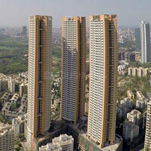 Gallery Cover Image of 1820 Sq.ft 3 BHK Apartment for rent in Goregaon East for 75000