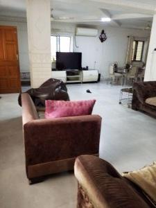 Gallery Cover Image of 2800 Sq.ft 5 BHK Independent House for buy in Mulund West for 65000000