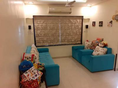 Gallery Cover Image of 610 Sq.ft 1 BHK Apartment for rent in Malad West for 35000