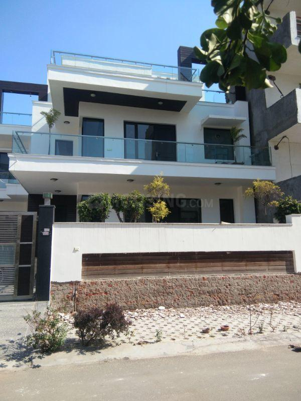 Building Image of 4500 Sq.ft 5 BHK Villa for buy in Sector 54 for 62500000