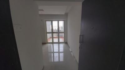 Gallery Cover Image of 530 Sq.ft 2 BHK Apartment for rent in Yemul And Sancheti Yes Residency, Hadapsar for 18000