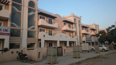 Gallery Cover Image of 1450 Sq.ft 3 BHK Independent Floor for rent in Sector 81 for 16000
