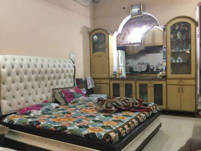 Bedroom Image of Miglani PG House in Shahdara
