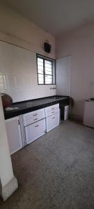 Gallery Cover Image of 600 Sq.ft 1 BHK Apartment for rent in BalajiSociety, Erandwane for 13000