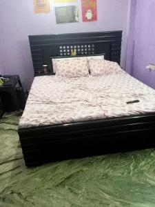 Gallery Cover Image of 400 Sq.ft 2 BHK Independent Floor for rent in Punjabi Bagh for 12000