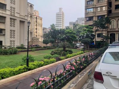 Gallery Cover Image of 1650 Sq.ft 3 BHK Apartment for rent in Vastu Tower, Malad West for 55000