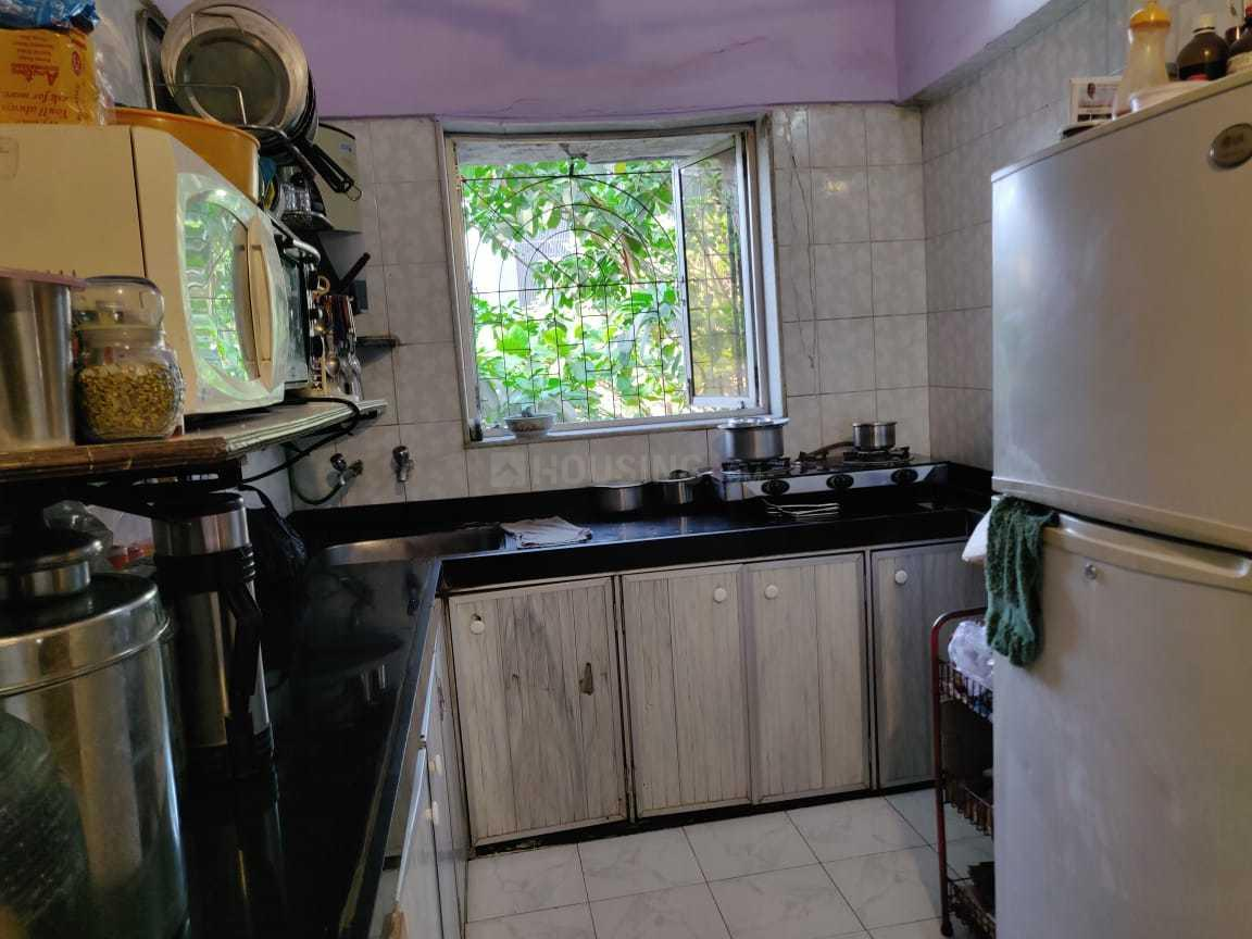 Kitchen Image of 899 Sq.ft 2 BHK Apartment for rent in Juhu for 62000