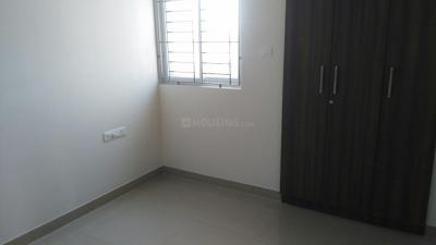 Gallery Cover Image of 1304 Sq.ft 3 BHK Apartment for rent in Perungalathur for 20000