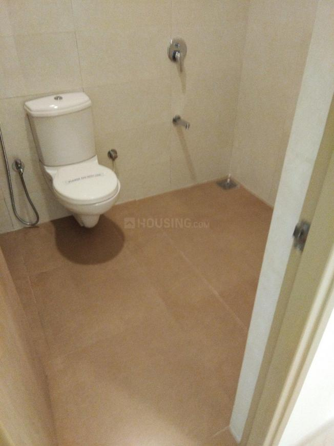 Common Bathroom Image of 1750 Sq.ft 3 BHK Apartment for buy in Kon for 9500000