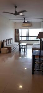 Gallery Cover Image of 1100 Sq.ft 2 BHK Apartment for rent in Girgaon for 70000