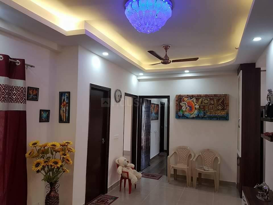 Living Room Image of 890 Sq.ft 2 BHK Apartment for rent in Noida Extension for 12000