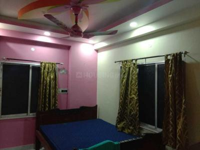 Gallery Cover Image of 1200 Sq.ft 3 BHK Apartment for rent in Lake Town for 20000