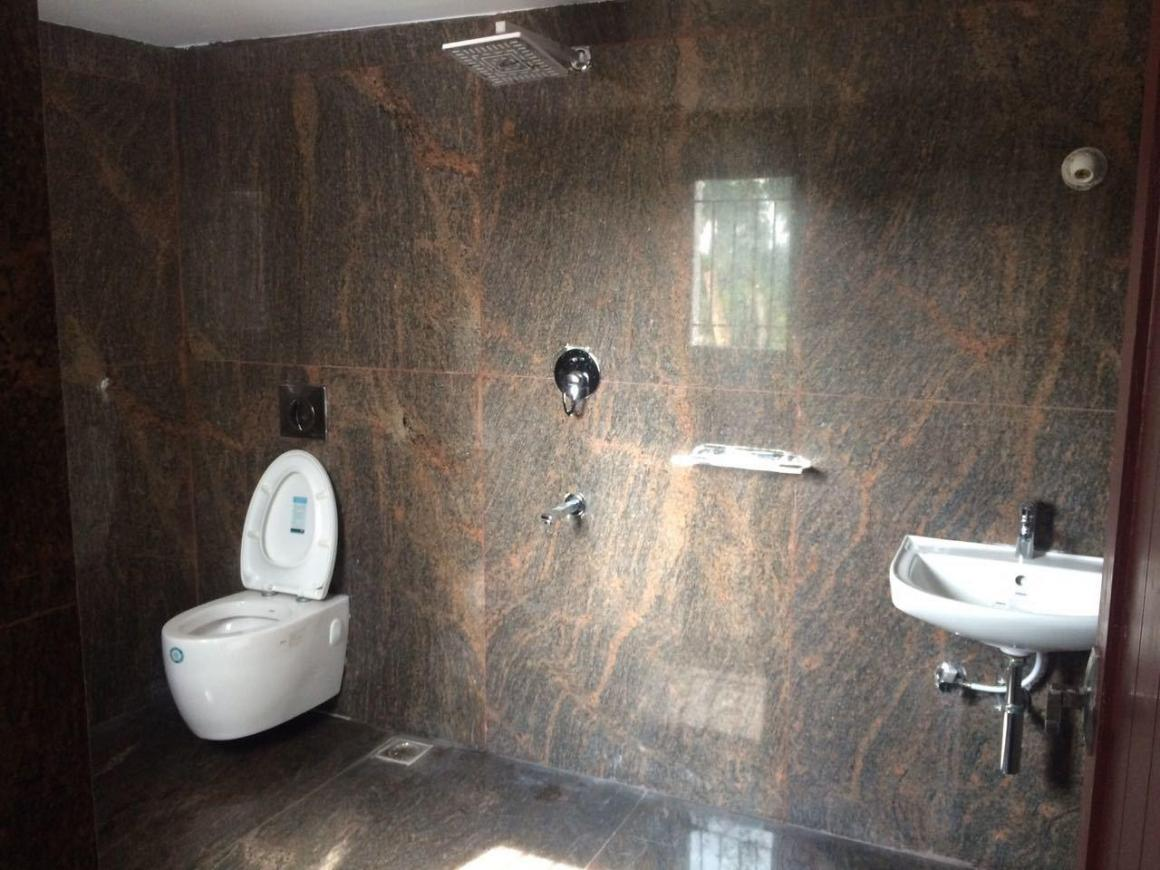 Common Bathroom Image of 1800 Sq.ft 3 BHK Apartment for rent in Mahindra World City for 30000