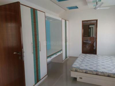 Gallery Cover Image of 2280 Sq.ft 3 BHK Apartment for rent in Thaltej for 55000