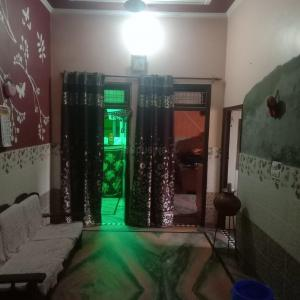 Gallery Cover Image of 1876 Sq.ft 4 BHK Villa for buy in Sector 33 for 9000000