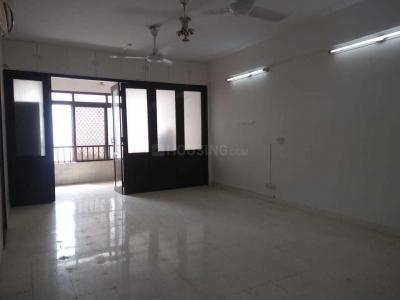 Gallery Cover Image of 1000 Sq.ft 2 BHK Apartment for rent in Girgaon for 125000