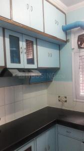 Gallery Cover Image of 1850 Sq.ft 4 BHK Apartment for rent in Guru Nanak Apartments - I, Mahavir Enclave for 35000