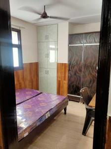 Gallery Cover Image of 600 Sq.ft 2 BHK Independent Floor for rent in DDA SFS Flats Block D Pocket A Shalimar Bagh, Shalimar Bagh for 20000
