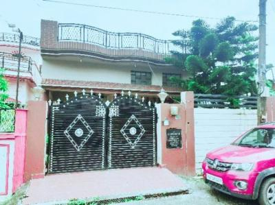Gallery Cover Image of 2000 Sq.ft 3 BHK Villa for buy in Subhash Nagar for 9000000