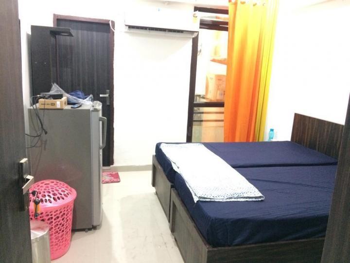 अपना होम्स पीजी इन सेक्टर 48 के बेडरूम की तस्वीर