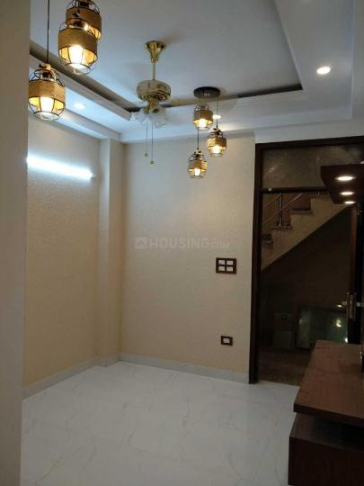 Living Room Image of 400 Sq.ft 1 BHK Apartment for buy in DLF Ankur Vihar for 1500000