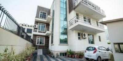 Gallery Cover Image of 15714 Sq.ft 10 BHK Independent House for buy in Sector 38 for 65000000