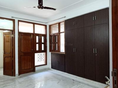 Gallery Cover Image of 2650 Sq.ft 4 BHK Apartment for rent in Mohinder Apartment, Sector 12 Dwarka for 40000