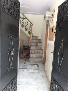 Gallery Cover Image of 850 Sq.ft 3 BHK Independent House for buy in Kashmir Avenue for 3200000