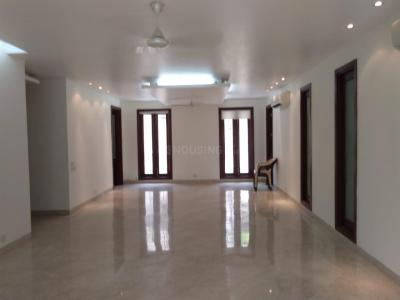 Gallery Cover Image of 3150 Sq.ft 4 BHK Independent Floor for buy in Chittaranjan Park for 75000000