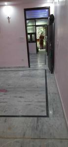 Gallery Cover Image of 550 Sq.ft 1 BHK Independent Floor for rent in Vikaspuri for 13000