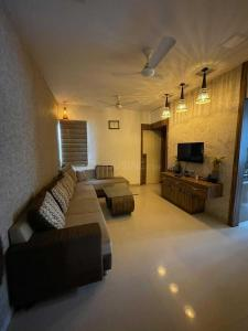 Gallery Cover Image of 535 Sq.ft 2 BHK Apartment for buy in Reevanta, Narayan Nagar for 4500000