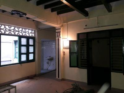 Gallery Cover Image of 1350 Sq.ft 4 BHK Apartment for rent in Triplicane for 20000