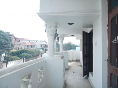 Gallery Cover Image of 4000 Sq.ft 4 BHK Independent Floor for rent in Sector 9 for 44000
